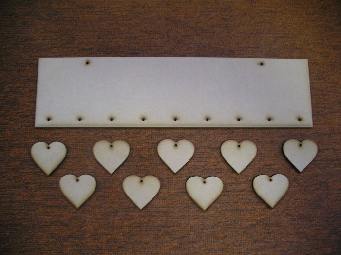 (HP11) Hanging 9 Heart Plaque