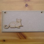 (P29) Cat Laying Plaque