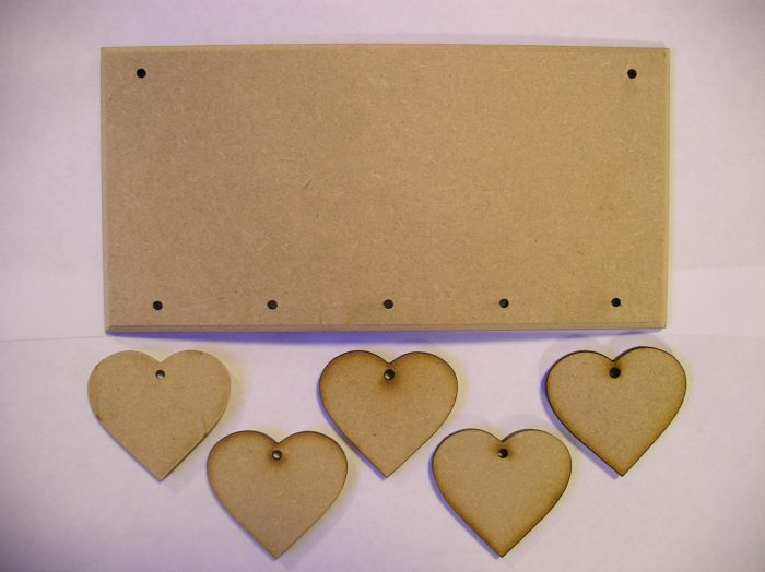 Hanging 5 Staggered Hearts Plaque